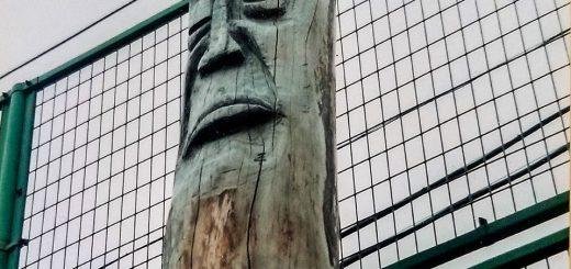 ハラボジ顔のトーテンポール